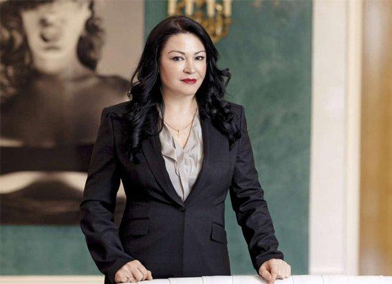 Dr. Tzamantaki Elena
